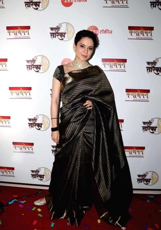 Kangana Ranaut In Black Saree At Marathi Taraka Awards