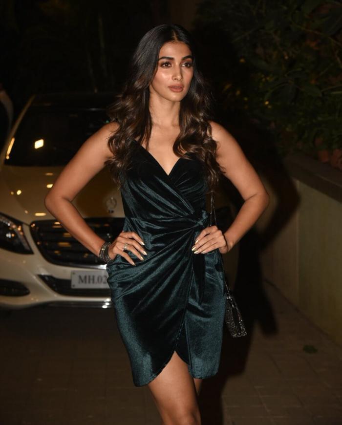 Pooja Hegde Exposing Her Hot Legs