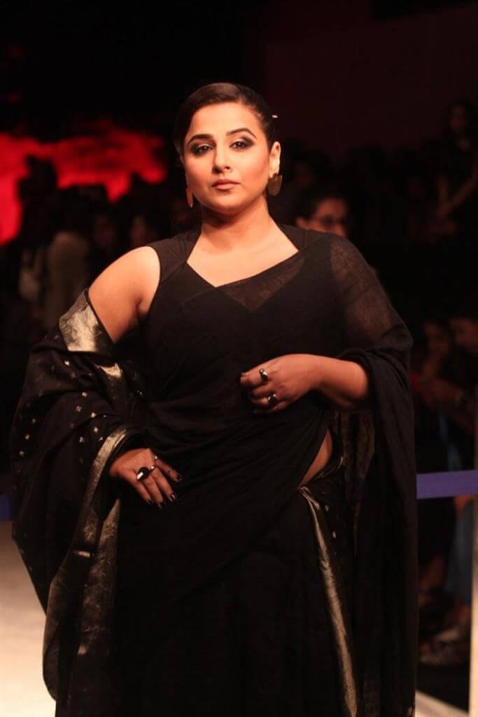 hot actress Vidya Balan