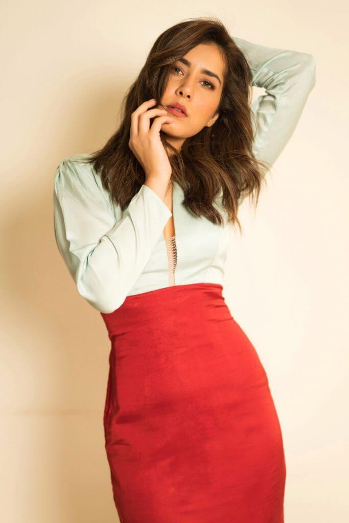 Beautiful Actress Rashi Khanna Latest Album