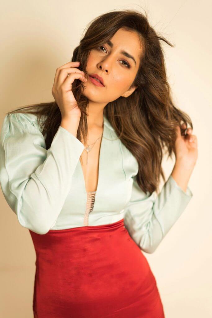 Beautiful Actress Rashi Khanna