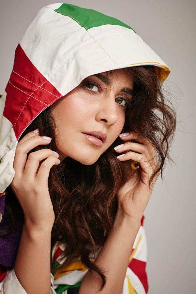 Heroine Rashi Khanna Stylish Photoshoot Pics