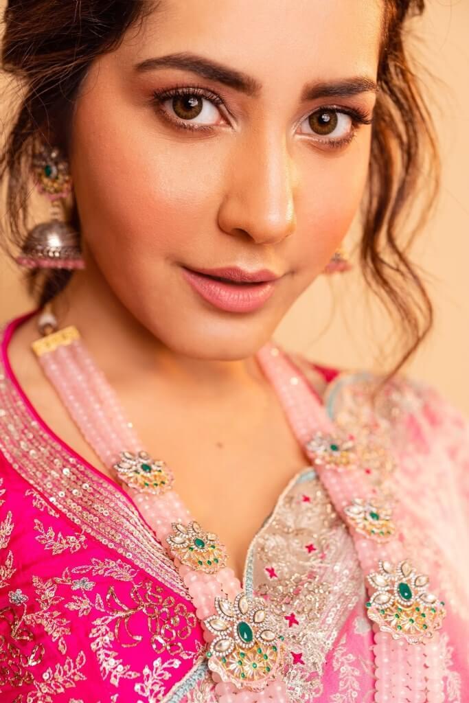 Raashi Khanna At Sangathamizhan Audio Launch Event