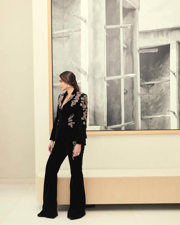 Sonam Kapoor In Black Suit