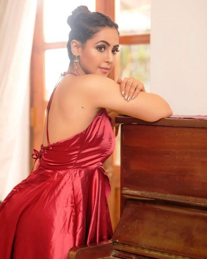 South Indian Actress Nandini Rai Latest Photoshoot