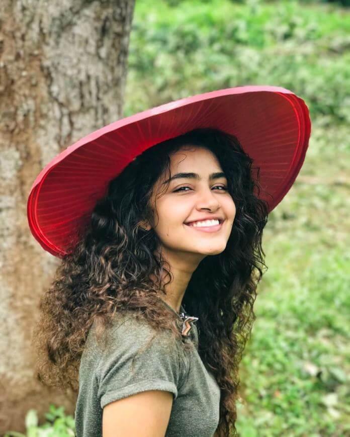 Cute Pictures Of Heroine Anupama Parameswaran