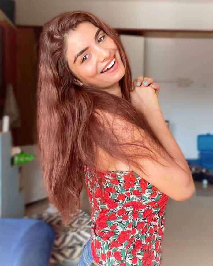 Gandii Baat Movie Actress