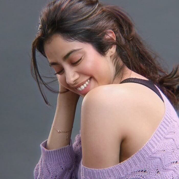Hot & Spicy Photos Of Janhvi Kapoor