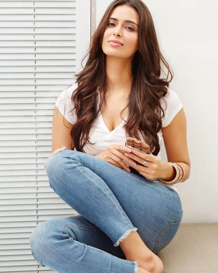 Devaraya Movie Actress