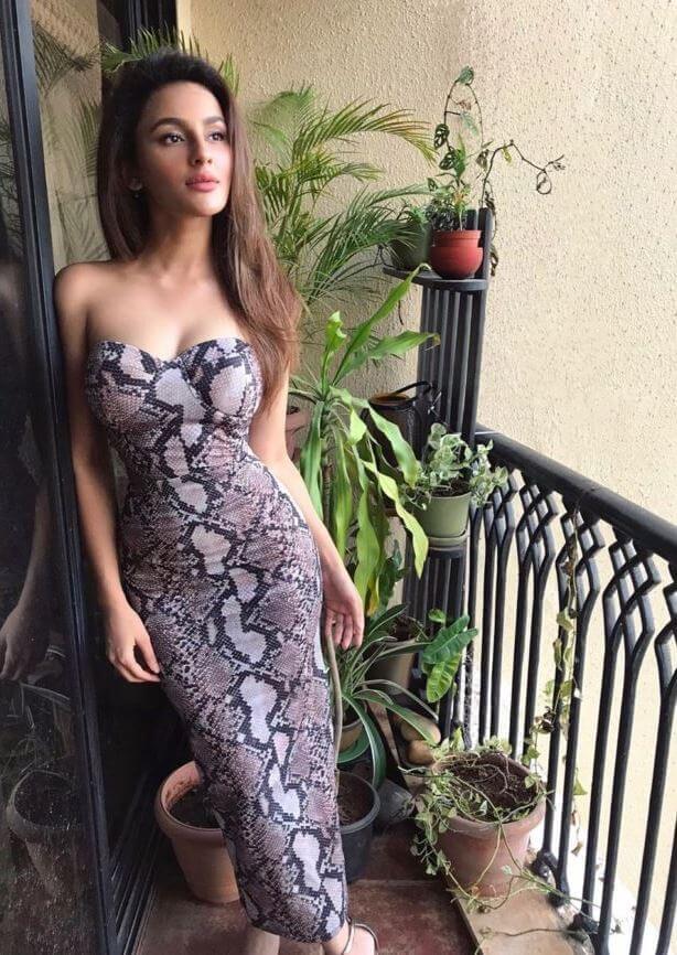 Seerat Kapoor In Snake Dress