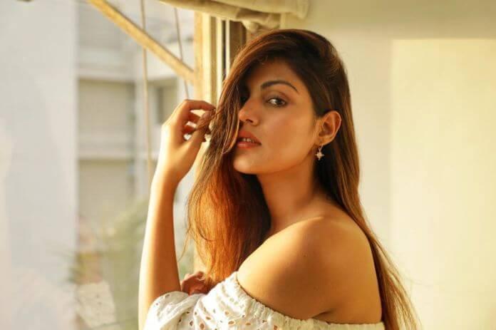 Rhea Chakraborty Selfie Photos