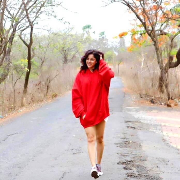 South Actress Piaa Bajpai