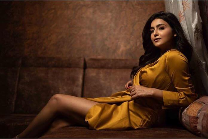 Nenjamellam Kadhal Movie Actress