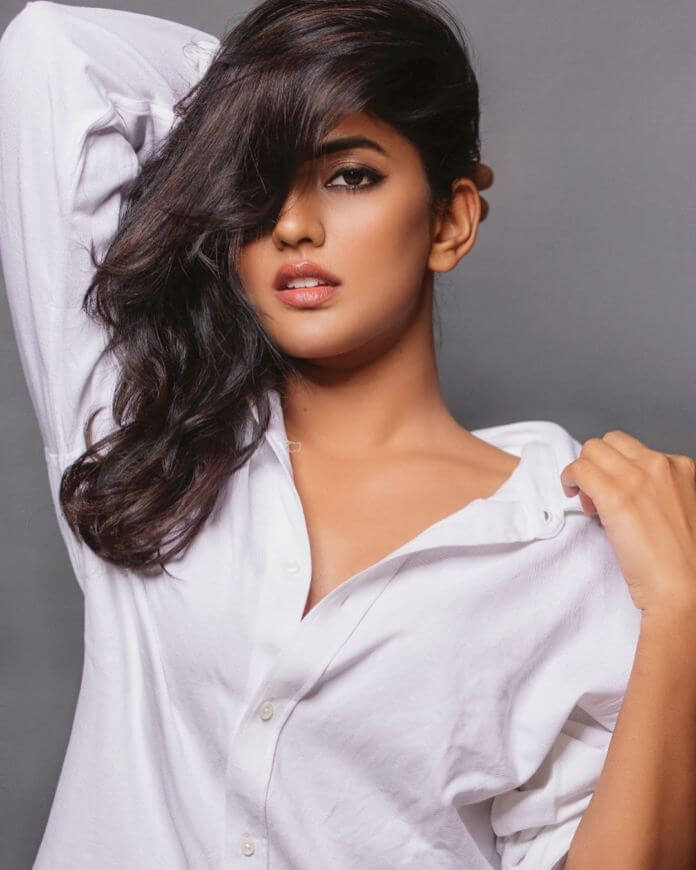 Eesha Rebba Stunning Stills