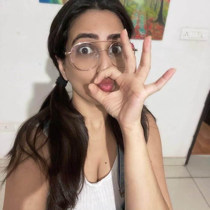 Rakhi Movie Artist