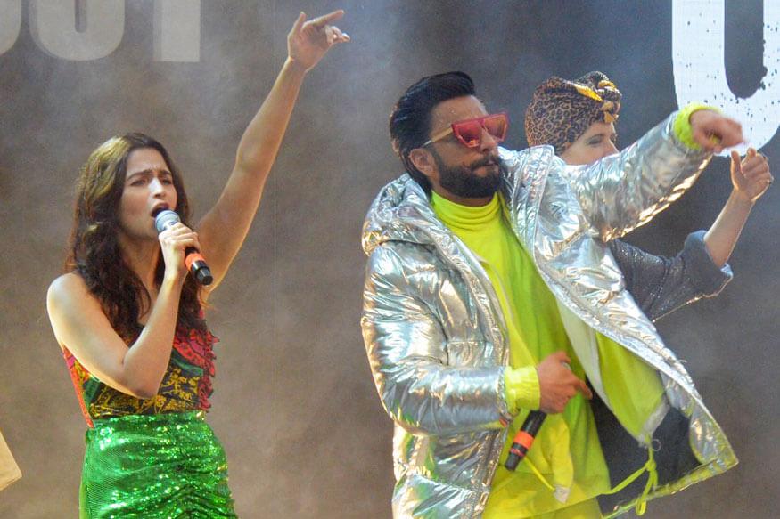 Alia Bhatt Glam Show