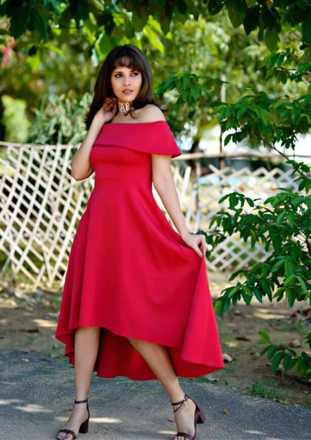 Anasuya Bharadwaj In Modern Look