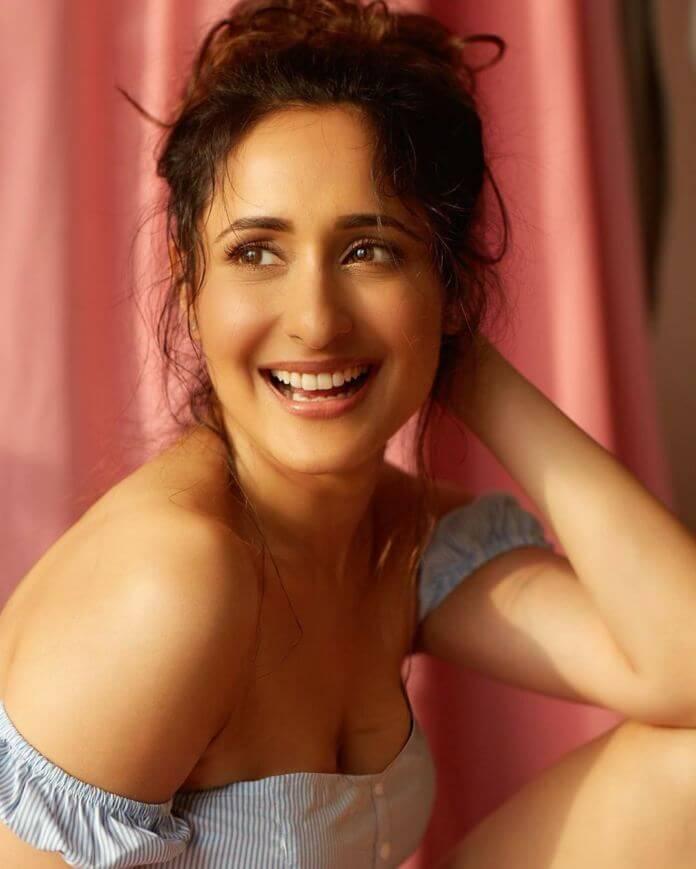 Glamorous Heroine Pragya Jaiswal