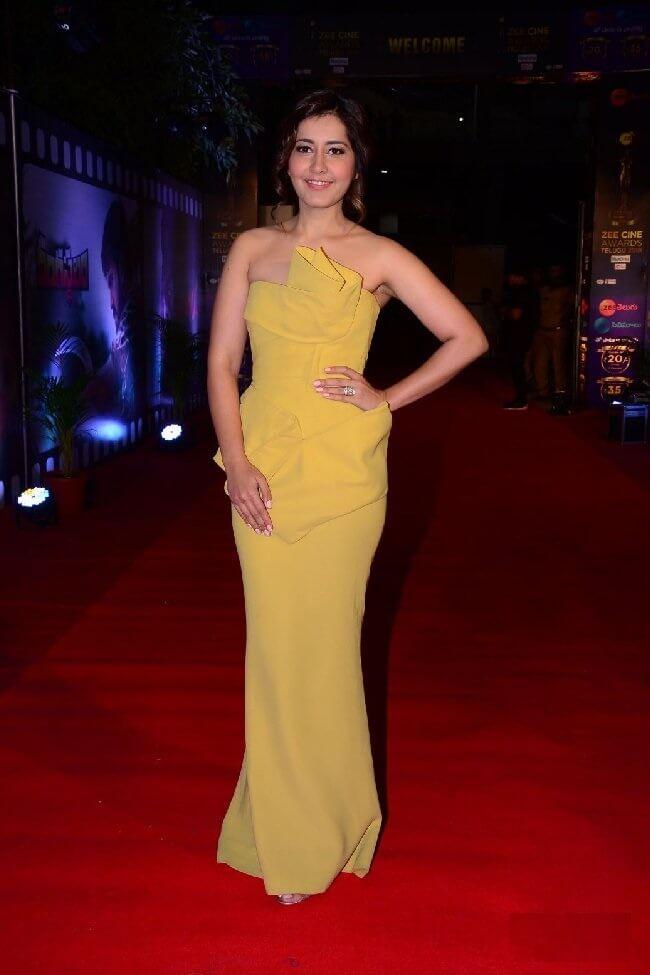 Rashi Khanna At Cine Awards