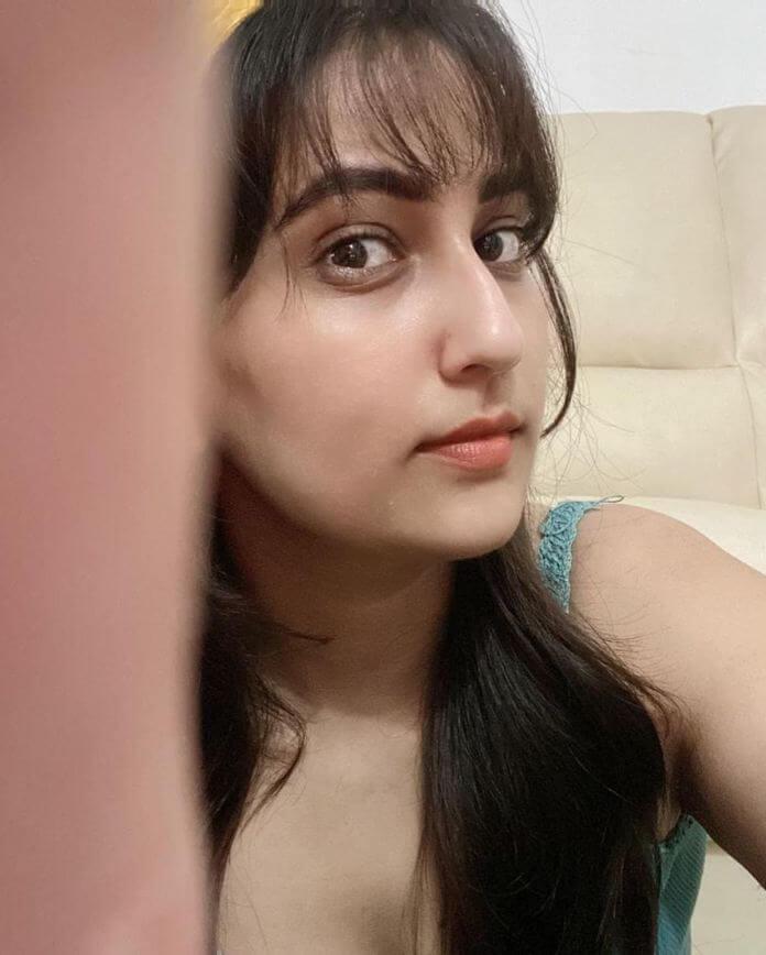 Telugu TV Anchor Manjusha Selfie Photos