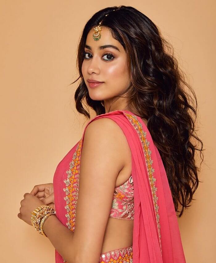 Janhvi Kapoor Navel Stills