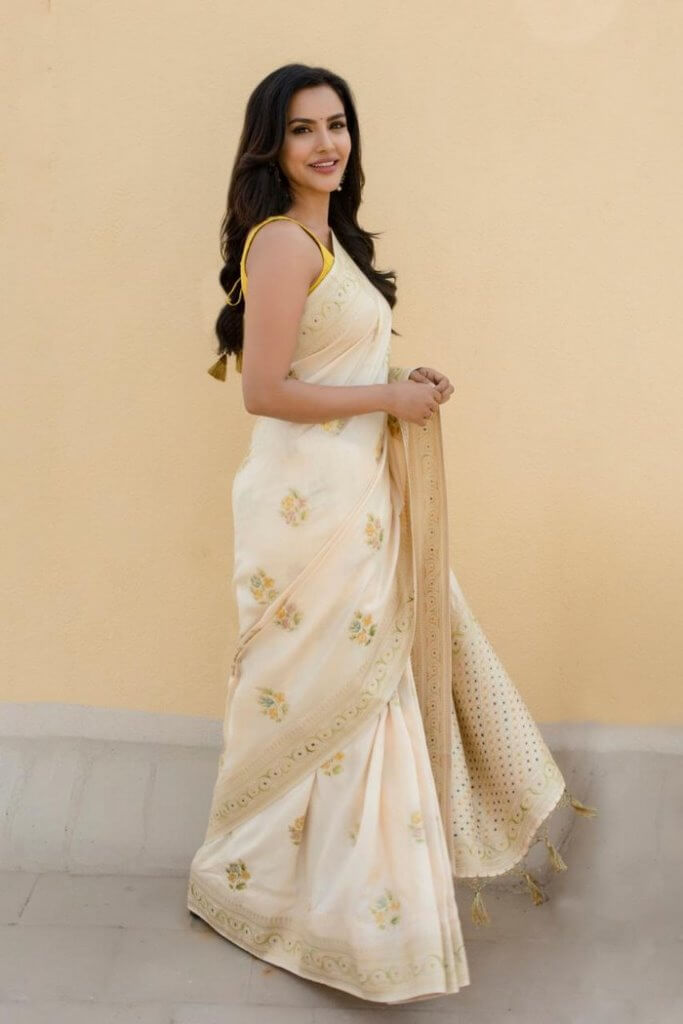Tamil Heroine Priya Anand Latest Photoshoot Pics