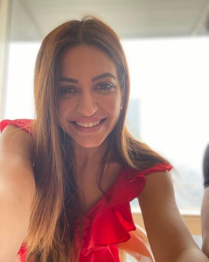 Actress Kriti Kharbanda Exclusive Photos