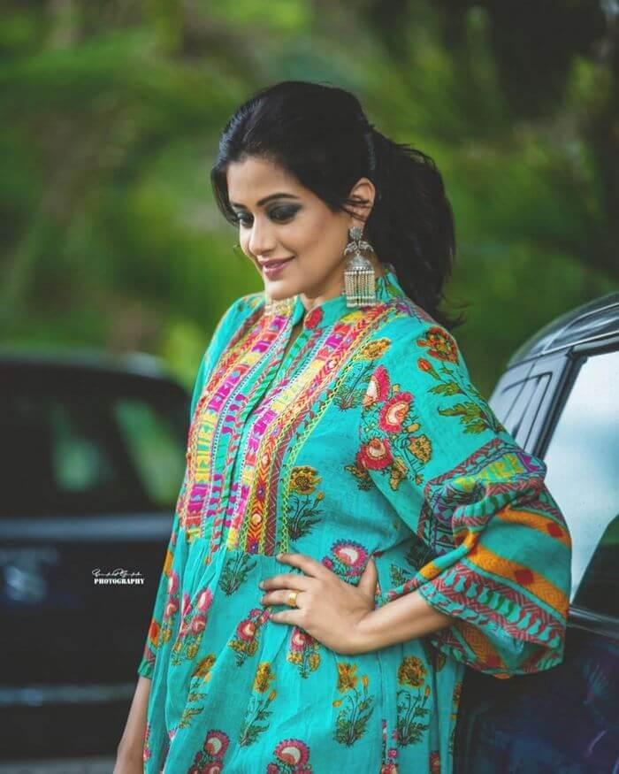 Actress Priyamani Hot Photoshoot Pics