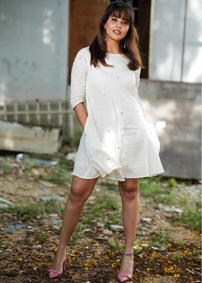 Anasuya Bharadwaj Hot Thighs Exposing In White SkirtAnasuya Bharadwaj Hot Thighs Exposing In White Skirt