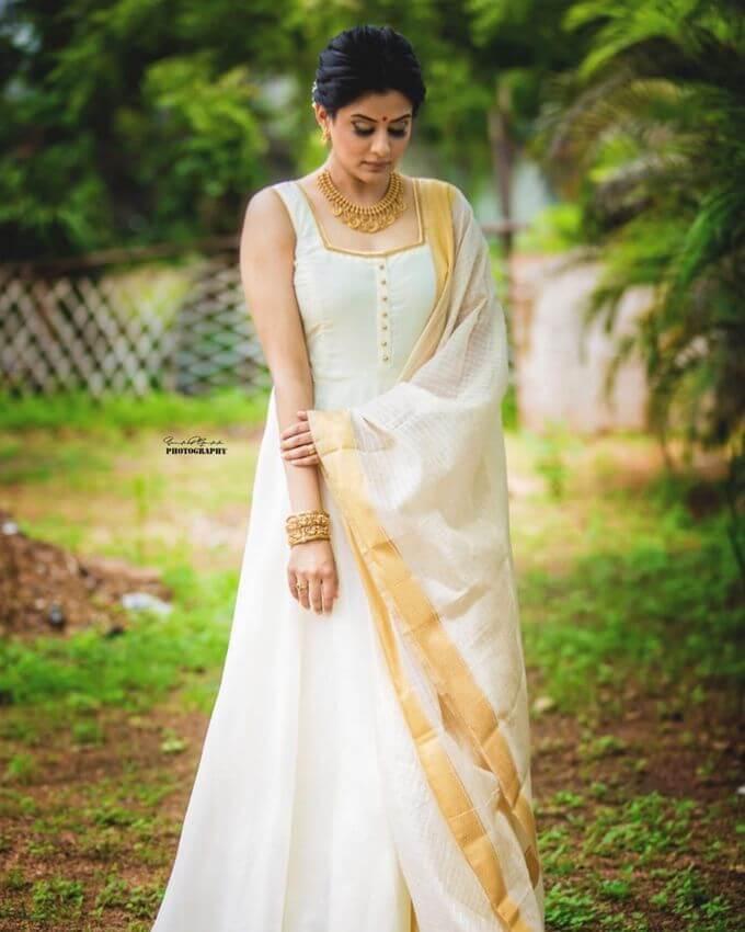 Hot Actress Priyamani Latest Photoshoot Pics
