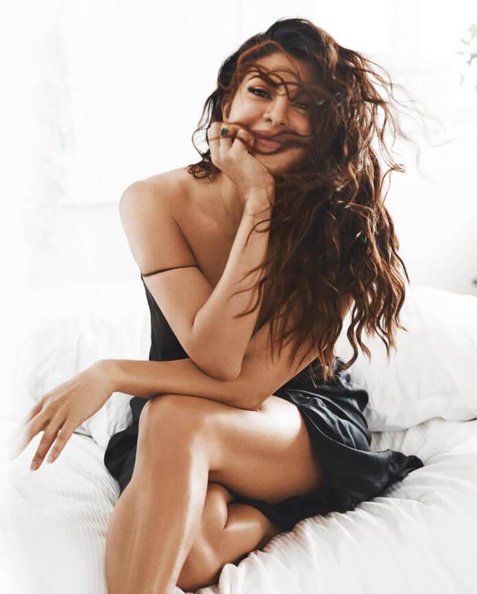 Jacqueline Fernandez Sizzling Pictures