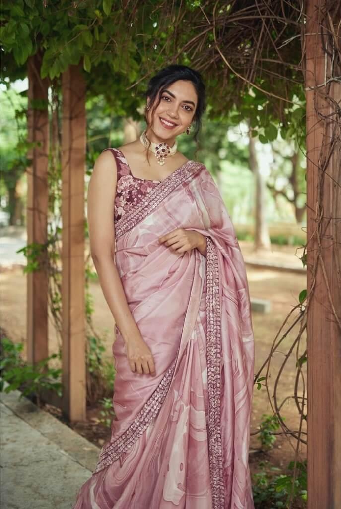 Ritu Varma Ethnic Looks In Saree