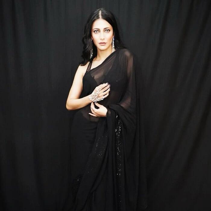 Heroine Shruthi Haasan Hot