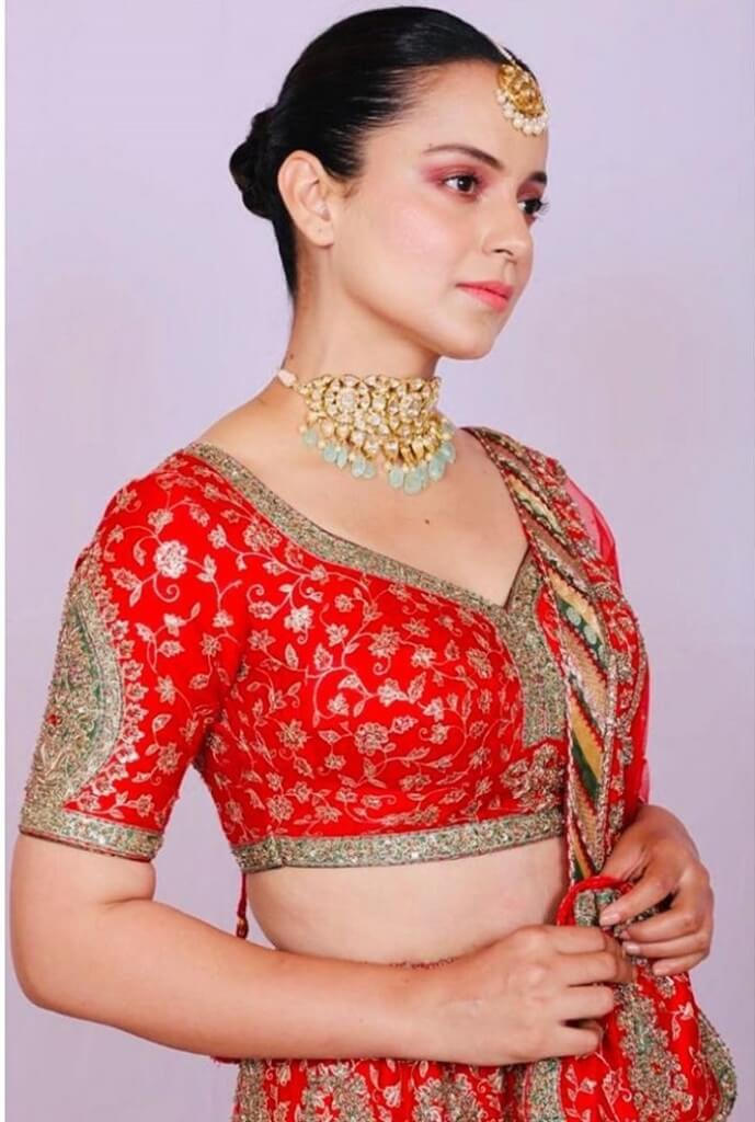 Kangana Ranaut Looks Traditional In The Latest Pictures