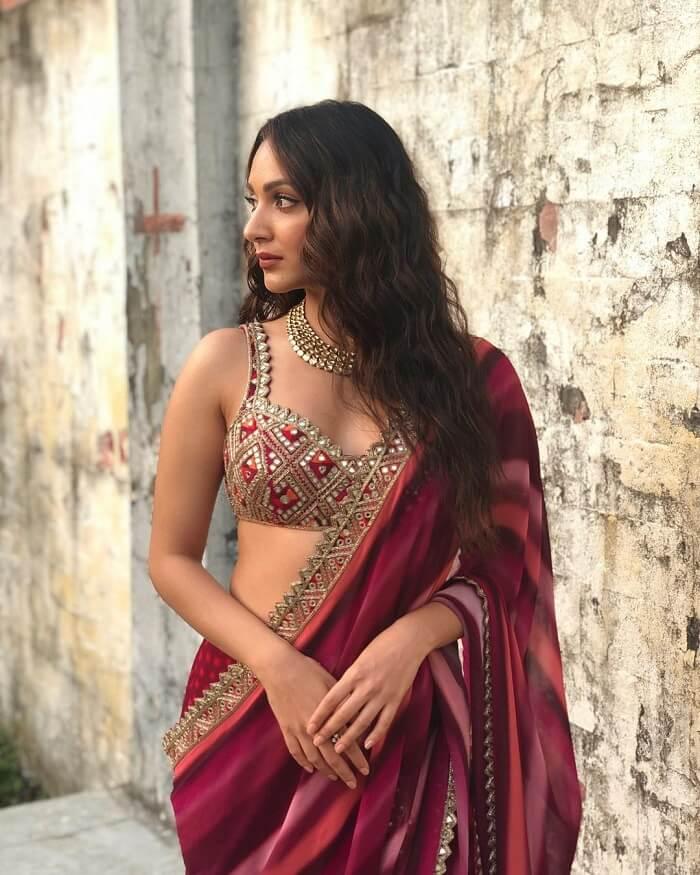 Kiara Advani Sizzling Photos In Saree