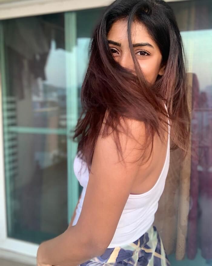 Selfie Photos Of Heroine Eesha
