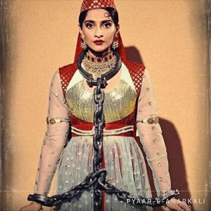 Sonam Kapoor Glamorous Stills