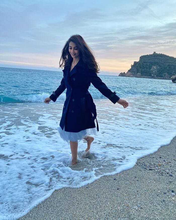 Pooja Hegde Shooting Pics From Radhe Shyam' Movie