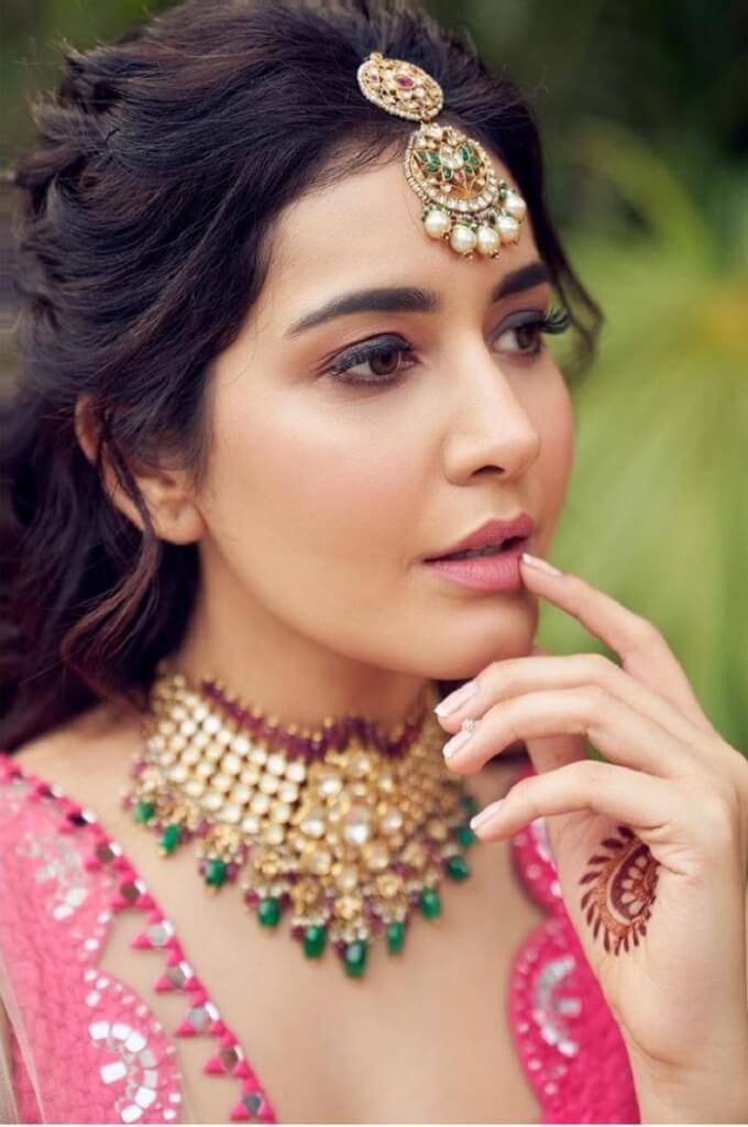 Rashi Khanna Smiling Photos