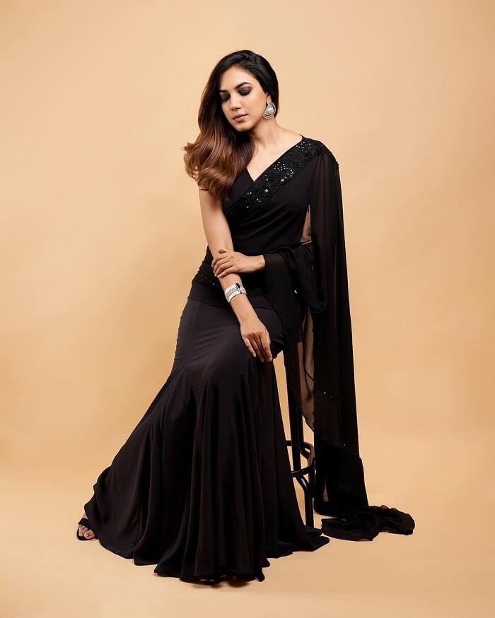 Ritu Varma In Black Saree