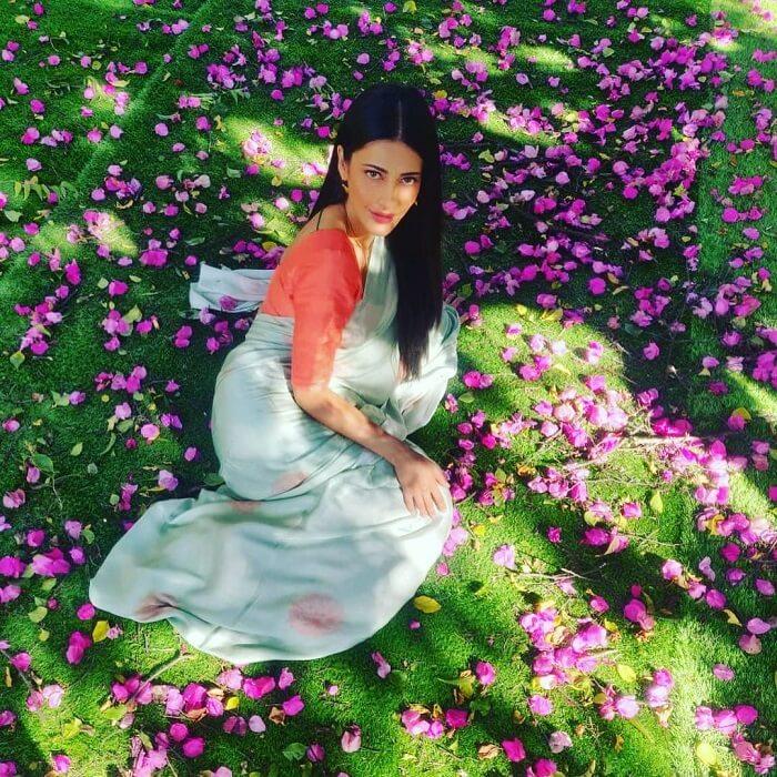Shruthi Haasan In Saree
