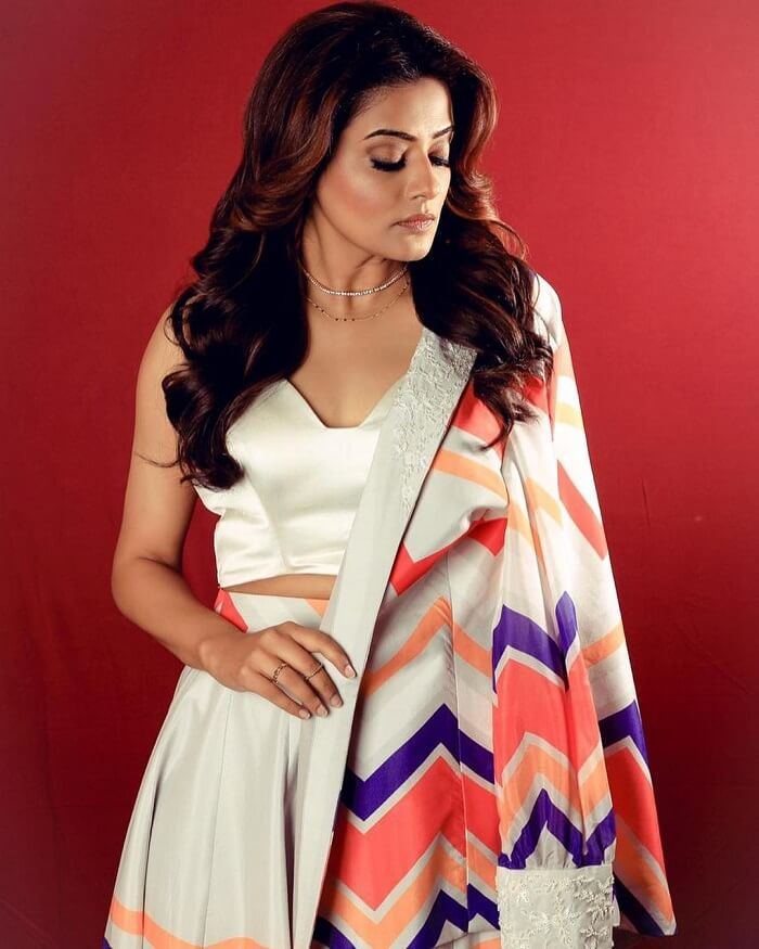 Charulatha Movie Actress
