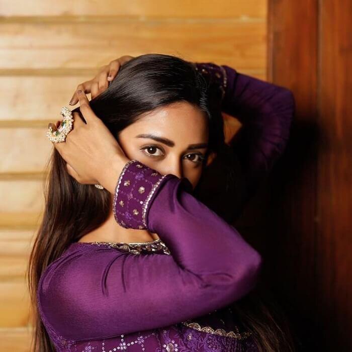Nivetha Pethuraj Beautiful Pics In Violet Dress