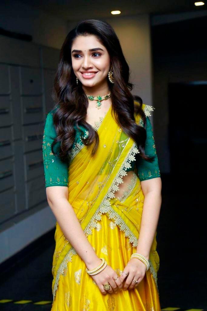 Uppena Movie Actress Kriti Shetty In Half Saree