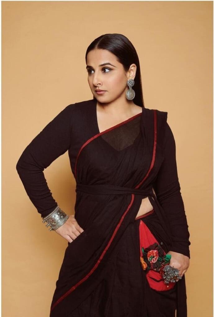 Vidya Balan Hot Poses In Ethnic Saree